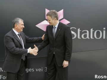 Rosneft President Igor Sechin meets Statoil CEO Helge Lund