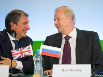 Rosneft President Igor Sechin (l) & BP CEO Bob Dudley (r) Hold Talks