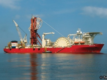 Technip's Deep Sea Pipe Laying Vessel- Deep Blue