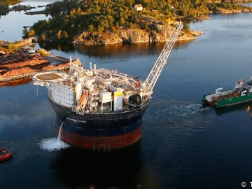 The Teekay Voyageur Spirit, Huntington Field's FPSO