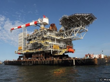 Cygnus Offshore Platform Sails From Heerema Yard