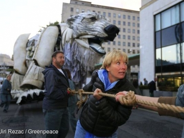 Emma Thompson Joins Protests Against Shell's Arctic Offshore Drilling