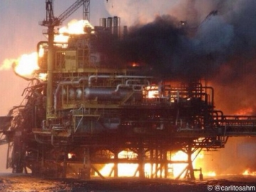Explosion And Resulting Fire On Offshore Oil Platform Abkatun Alpha, Mexico. 7 Killed