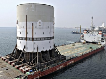 SBM Offshore Designed Turret Mooring System For Shell Prelude FLNG Leaving Dubai Shipyard