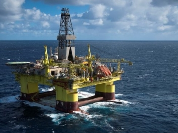 One Dead As Huge Storm Wave Hits COSL Innovator Offshore Drilling Rig