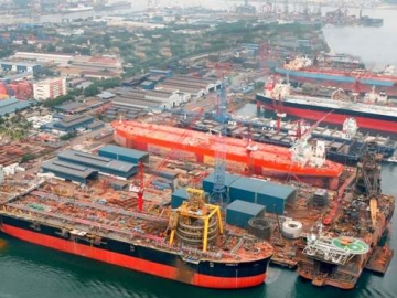 Keppel Offshore & Marine Shipyard With Offshore Oil And Gas Vessels Under Conversion