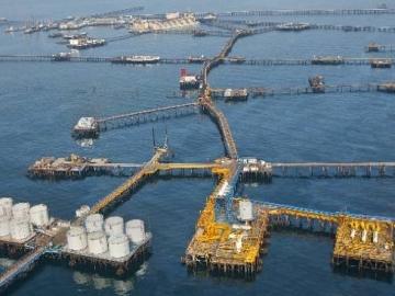 Offshore Oil Platform Collapse. The Oil Rocks Field In Azerbaijan, Known Locally As Neft Dashlari