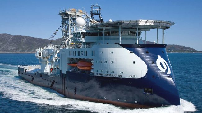 Island Constructor Light Well Intervention Vessel