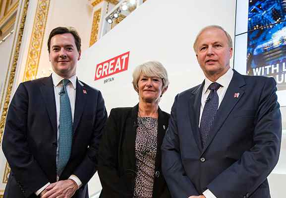 BP CEO Bob Dudley (r) With UK Chancellor George Osbourne (l)