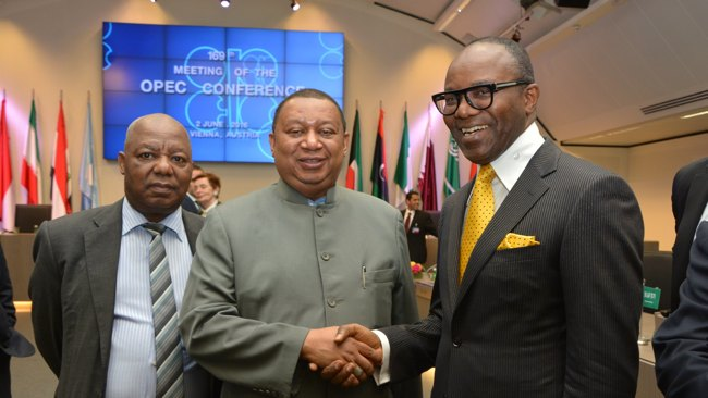 OPEC Secretary General Mohammed Barkindo (c)
