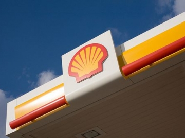 Watch: Shell Profit Falls with Oil Price Decline