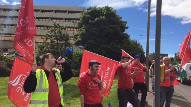 Oil Workers On Strike Outside Shell's Aberdeen Upstream Office