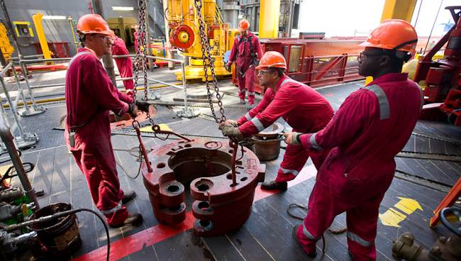 Transocean Offshore Drill Crew Working The Drill Floor