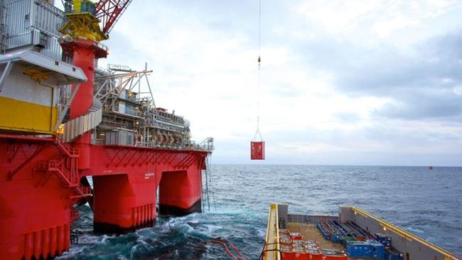 Transocean Spitsbergen Bunkering & Loading Cargo