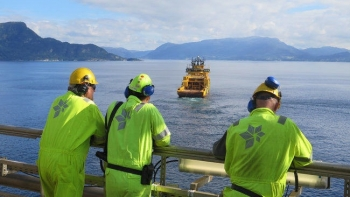 Oil Industry Slashes Spending Across Norway