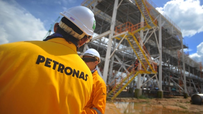 Petronas Oil & Gas Workers