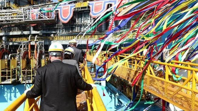 PHOTOS: Maersk Drilling Rig Named in South Korea