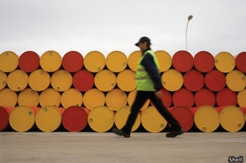 Oil Demand Nears Peak, Shell Says